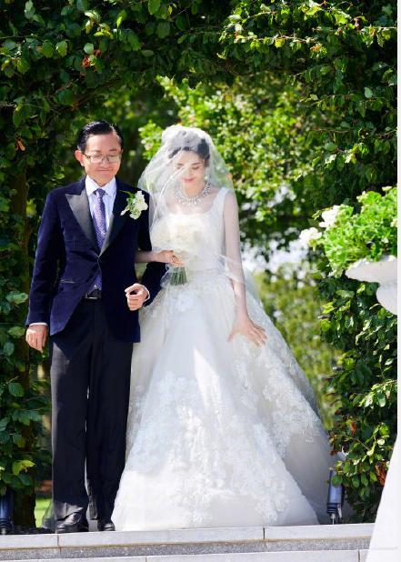 张若昀唐艺昕结婚现场照曝光,豪华奢侈,花费超几百万