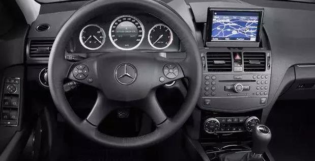 车上的这些按钮不懂就别乱按,尤其是安全气囊的关闭按钮!