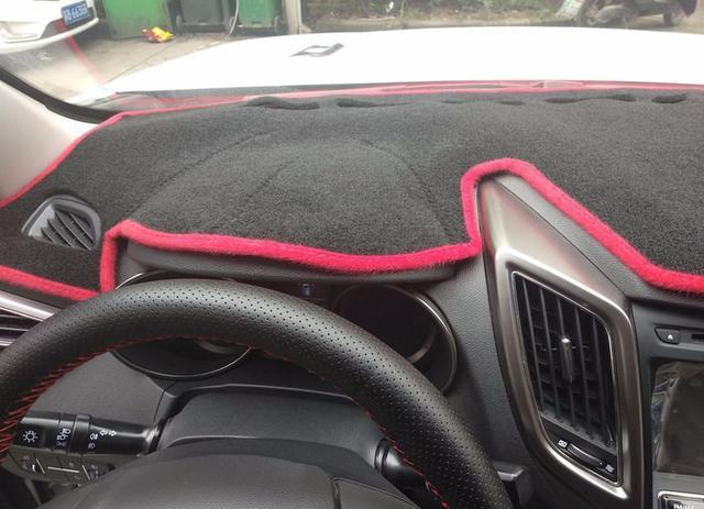 中控遮阳垫有用吗?车主:没见过几十万的车会装这东西