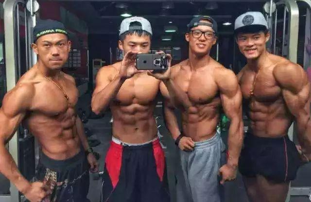 健身只练背,每天100个引体,90天后腰围不如肩围一半…