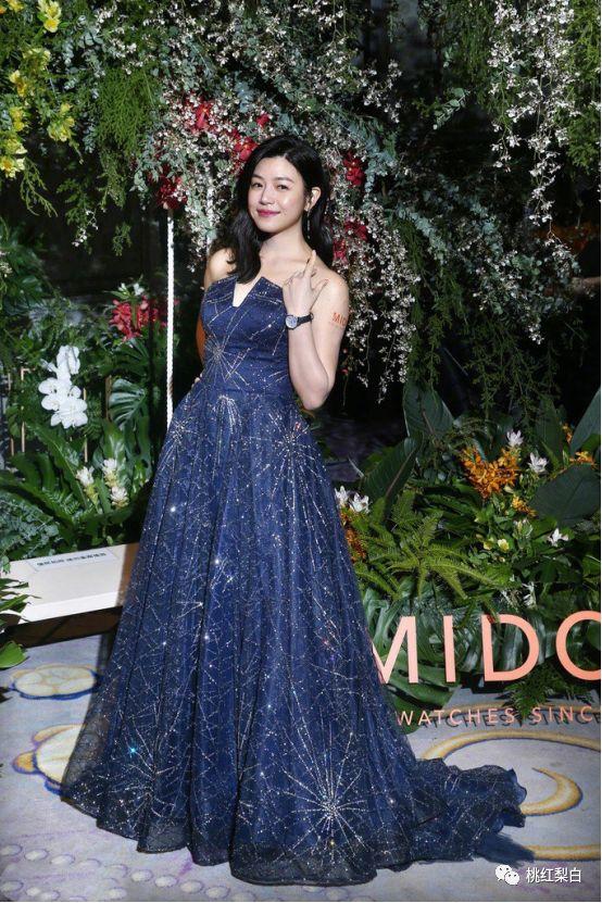 看陈妍希至少胖十斤的身材,真有点怀疑她怀二胎了