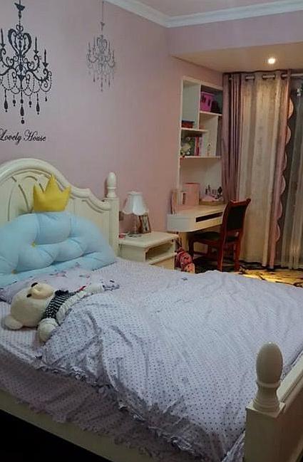 曬曬真實的臥室照片