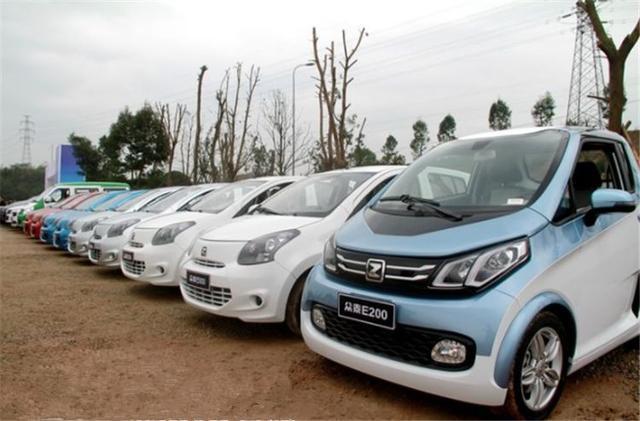 新能源汽车窘境:低速车积压成山比亚迪却一车难求