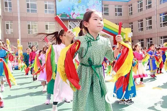 呼伦贝尔人告诉你为什么要把孩子送蒙古族幼儿园.