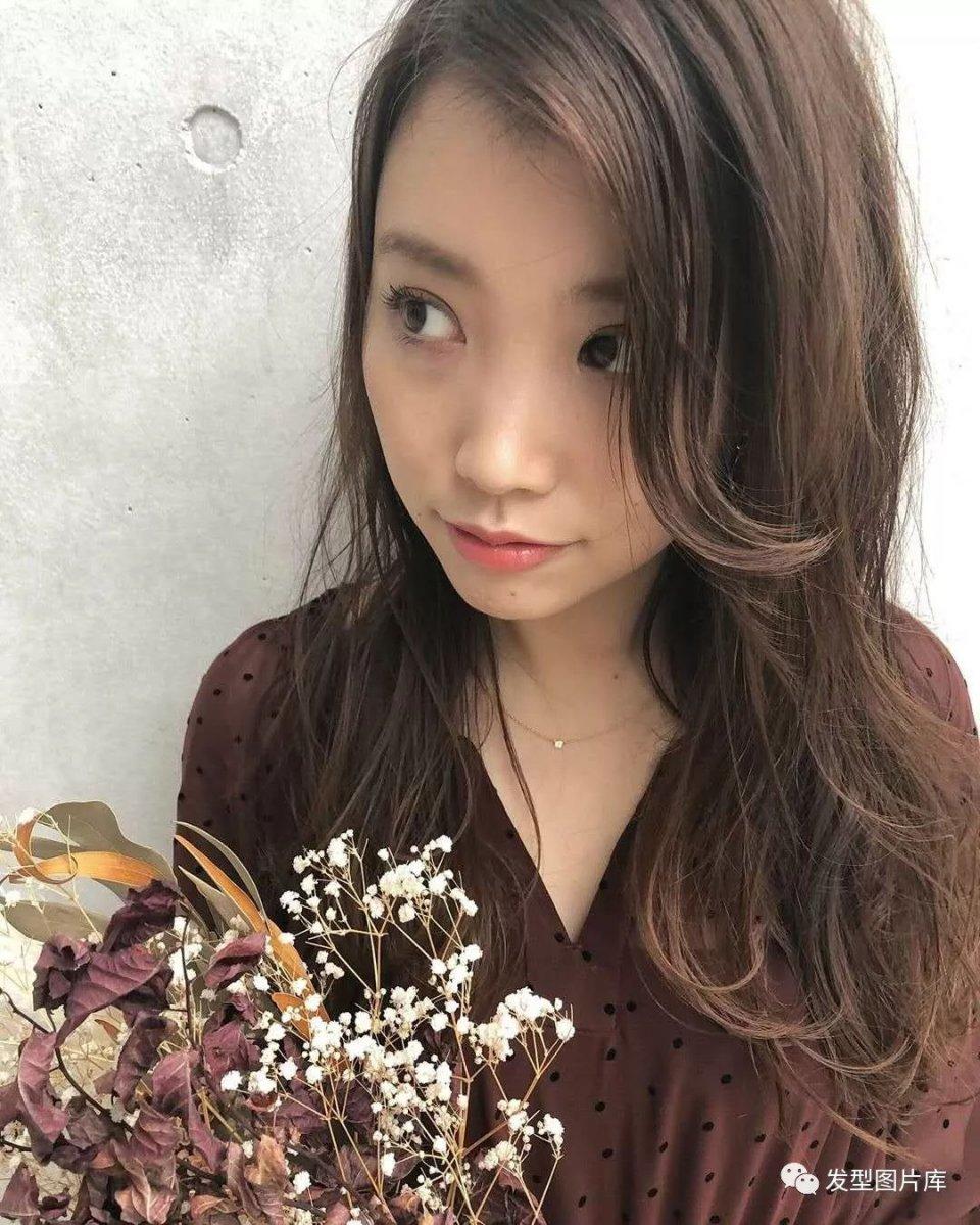 实拍:日本软件造型发的湿发发型发廊头像做长卷发型叫什么图片