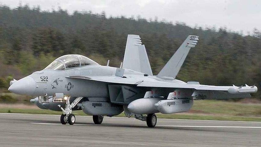 歼20威力有多大?美军:F35完全被压着打