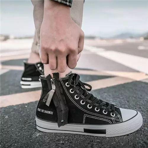选择这三款鞋子,百搭又显帅气
