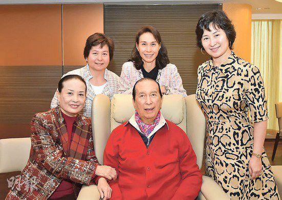 赌王娶4个老婆不违法?港《大清律例》实行至71年
