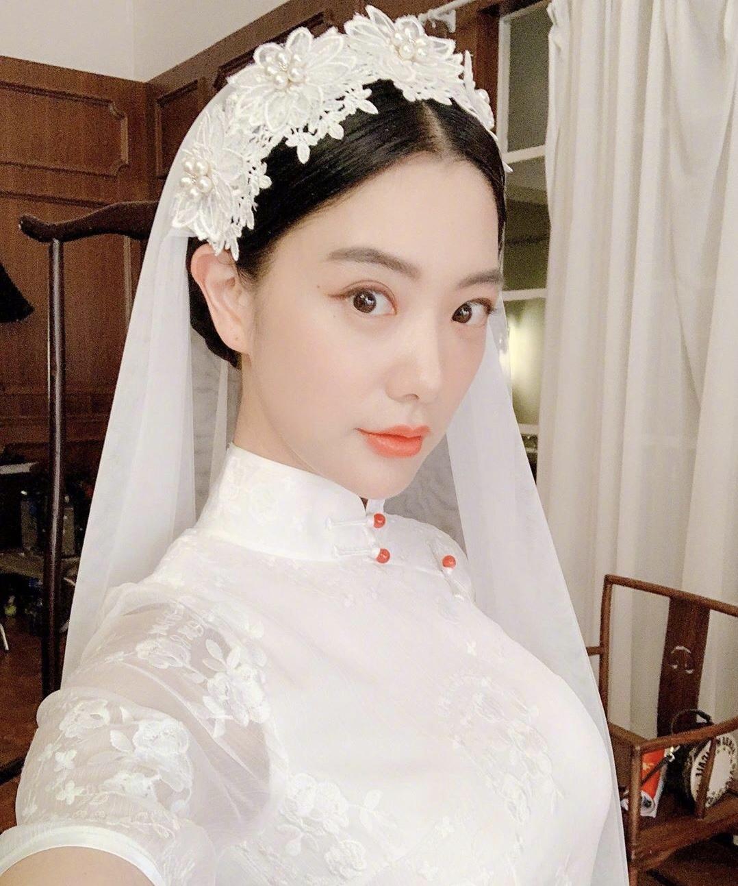 头饰 魅力 白色 韵味 头纱 发型 五官 婚纱 头衔 美人