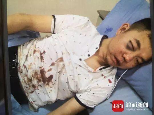 成都警方:毆打的哥的外籍男子已被刑拘 (圖)