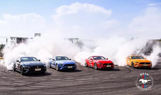 """和开着Mustang的飘移大神Jr一起""""杀死""""轮胎"""