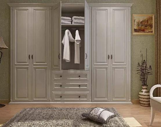 新房臥室別裝這種衣柜,木工師傅說出原因,懊悔沒早