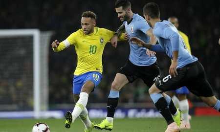 友谊赛:内马尔点射制胜苏亚雷斯失良机,巴西1