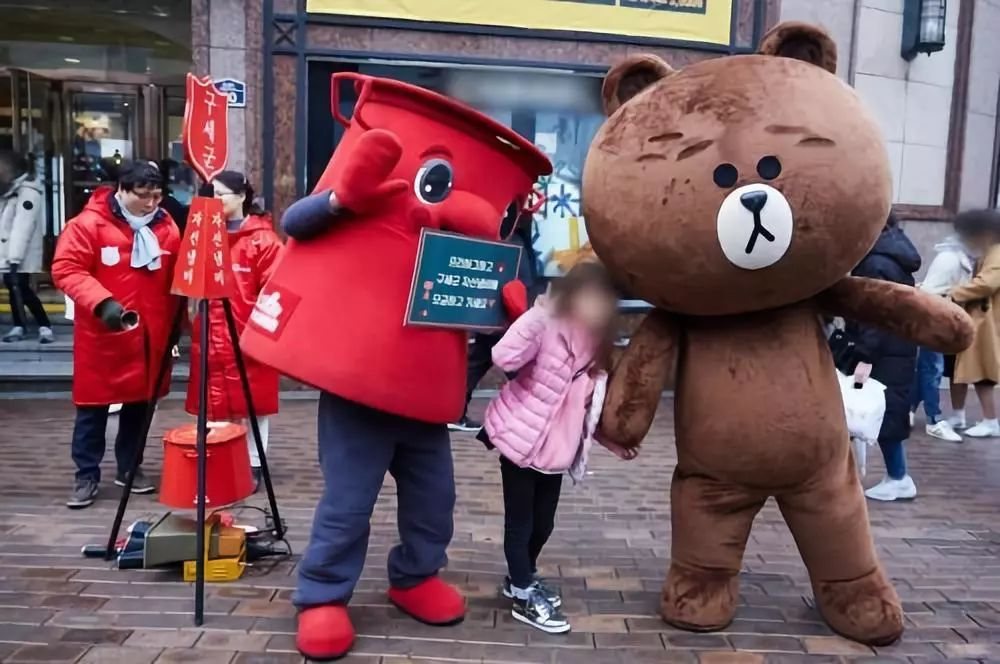 日本版微信仅靠表情一年赚30亿,是做有病小表情包图片