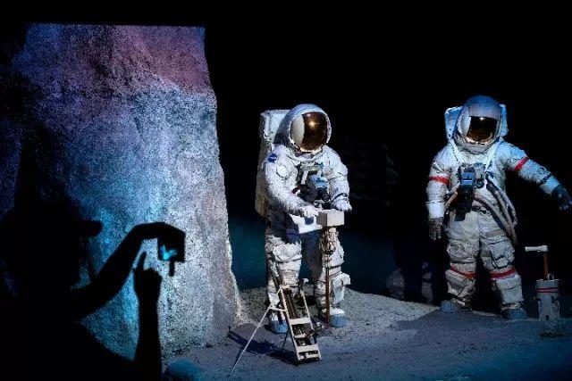 美航天员登月是真是假?俄罗斯:我们上月球查清楚