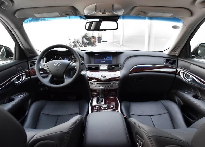 英菲尼迪Q70和沃尔沃S90作比较你们感觉哪款车更好呢?_黑龙江体