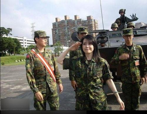 这个小国的发展成就令人十分钦佩,同为华人应该是国人学习的榜样