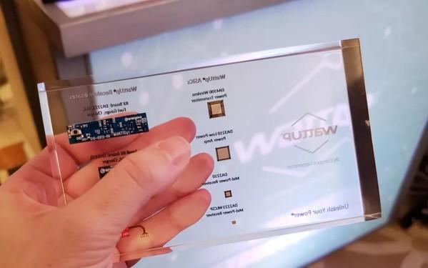 CES2019新风向 未来智能手机或可隔空充电!越洋吟月