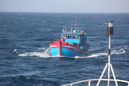 南沙群岛海上救助中心在永暑礁挂牌成立