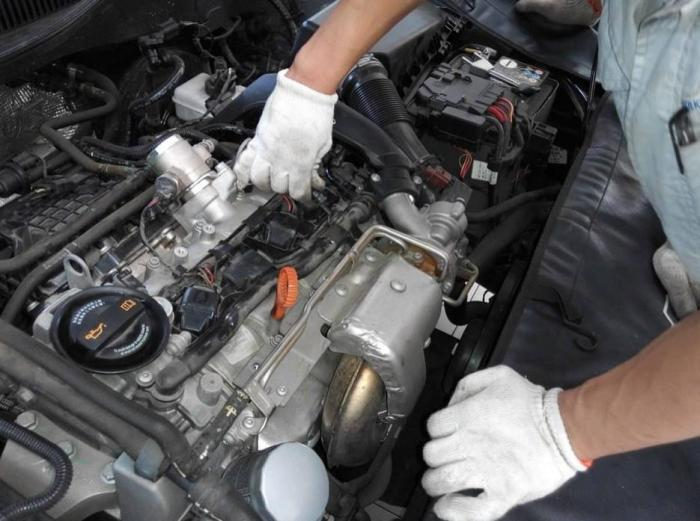 车子越开油耗越高?维修师傅:这4样零件随便换一个,月省一箱油