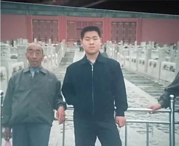 """又见列车霸座男 他自称是""""外国人""""""""残疾人"""""""