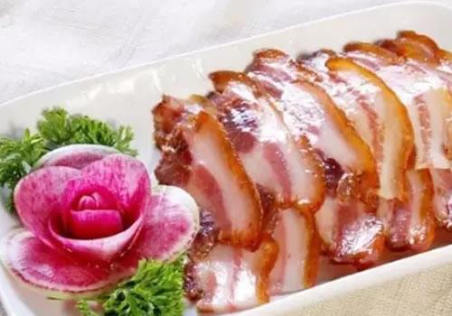 喜欢吃猪头肉,查出血脂高了还能吃吗?有糖尿病和高血压的人呢?