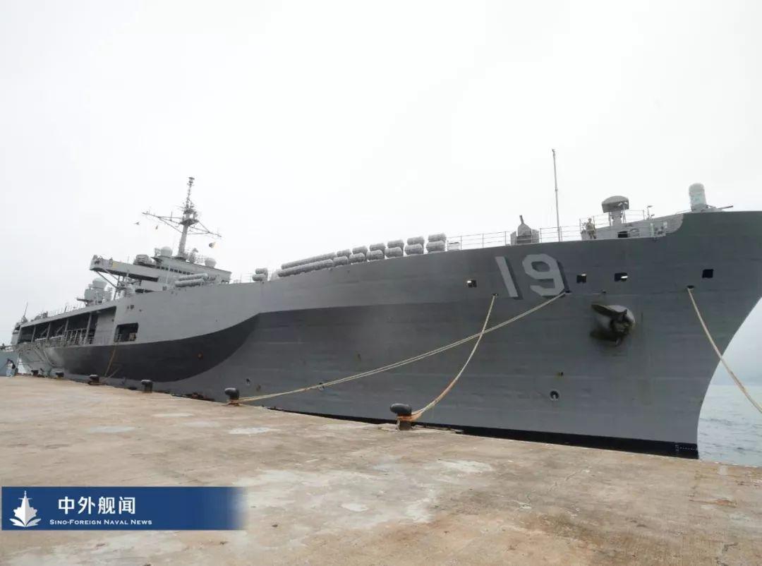 军乐队表演 美国海军第七舰队旗舰访问香港 军乐队向民众表演