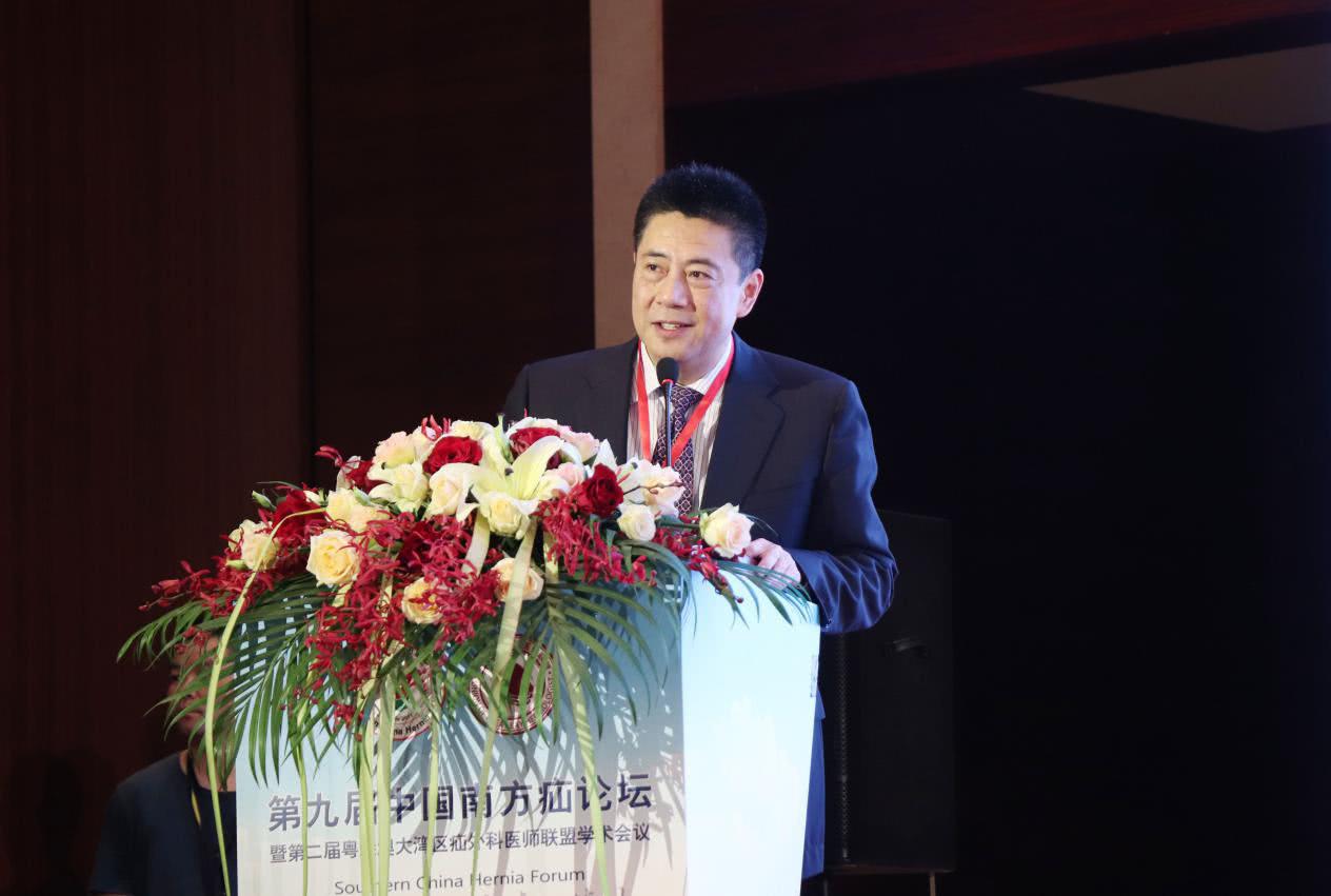 疝和腹壁专家唐健雄教授:患者对疝有三大认知误区(转自凤凰网)