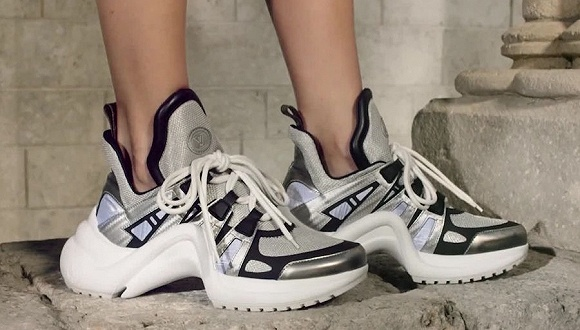 Louis Vuitton起诉百丽国际抄袭品牌Archlight球极速快3