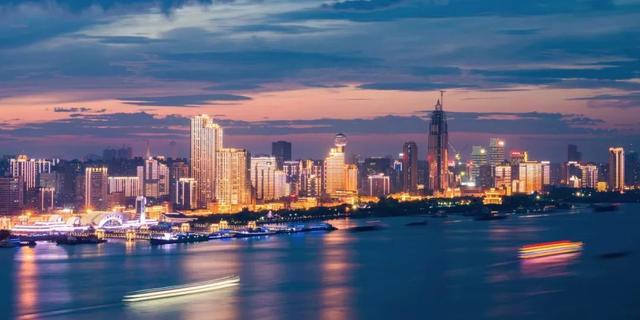 武汉上市公司员工均薪同比增10.61%  近四年涨幅稳步提升