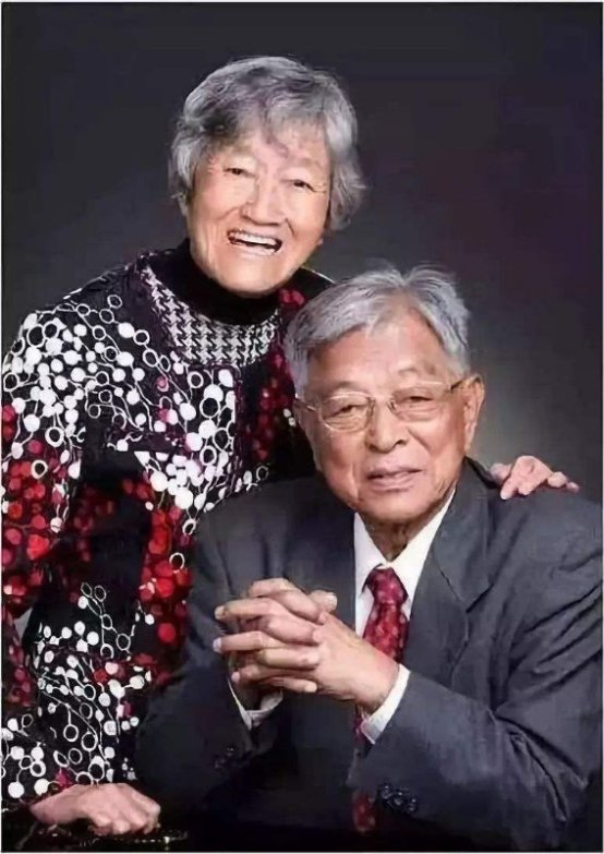 褚酒联合创始人肖生华将投资拍摄褚时健马静芬爱情创业电影《褚马会》