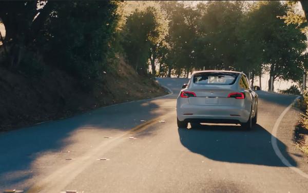 现在 特斯拉将拥有快充的Model 3引入欧洲