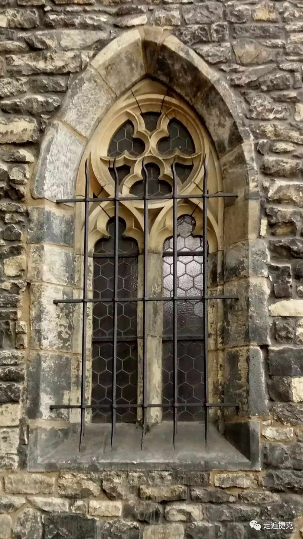 魅力难挡 去布拉格欣赏那11座最美的捷克教堂