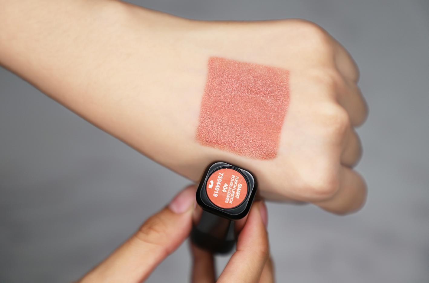 颜值与实力并存,KIKO美女4系无滤镜试色!口红乳巨超级情趣图片