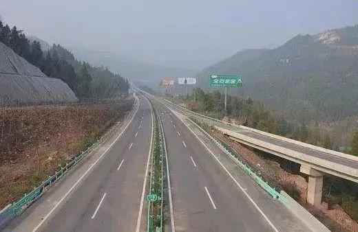 9月10日,达万(达州至万州)高速公路开工建设,全长63.