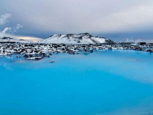 00-15:00,12月25日,12月31日8:00-17:00 门票:蓝色泻湖6990冰岛克朗