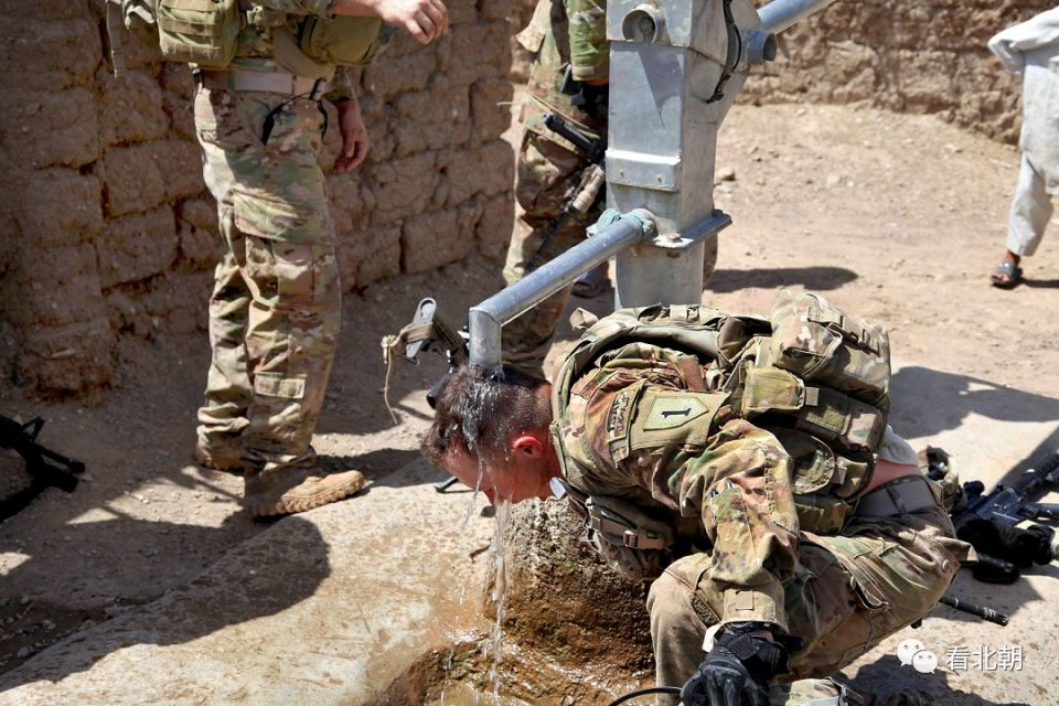 一瓶矿泉水13.37美元!驻阿富汗美军喝水有多贵?图片