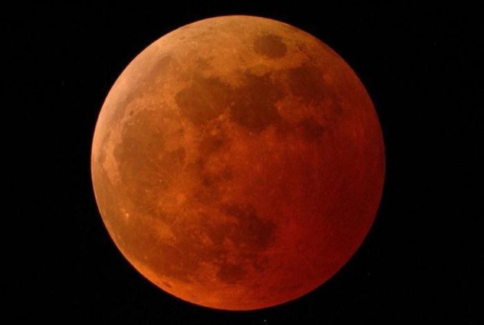 2019年天文奇观序幕将由1月21日罕见超级血狼月揭开
