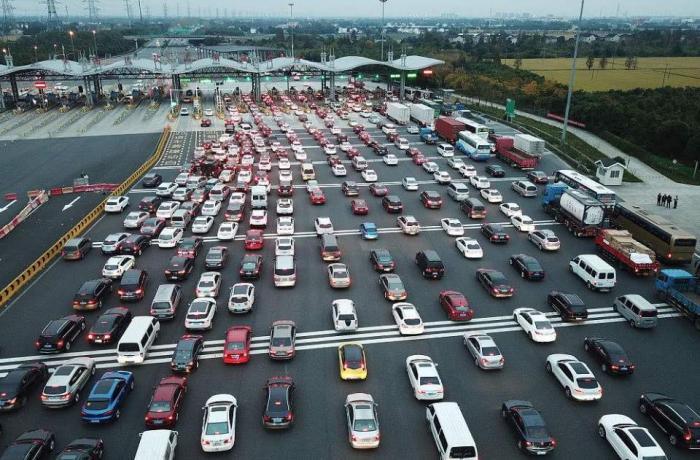 月薪多少才能供得起10万的车?老司机算笔账:小心买得起养不起