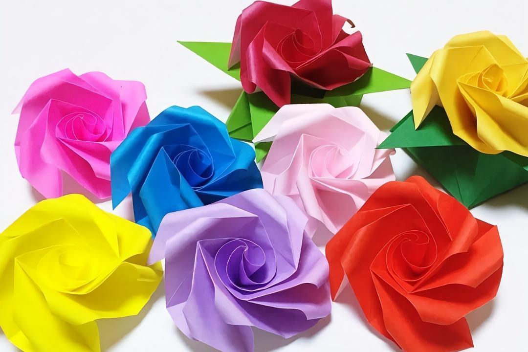 怎样用纸做玫瑰花_手工折纸玫瑰花教程(一)_手工小制作