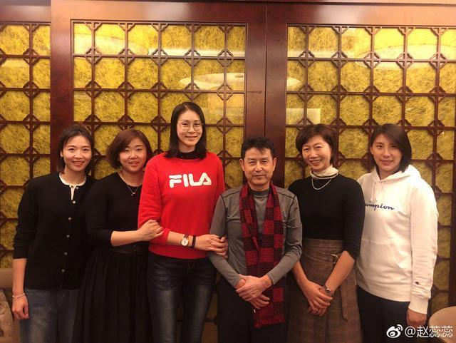 泪目!中国女排黄金一代聚首 陈忠和与5女神同框