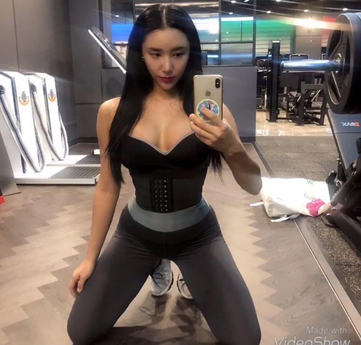 第一美臀 33岁被称为亚洲第一美臀,这样的身材实在太火辣了....