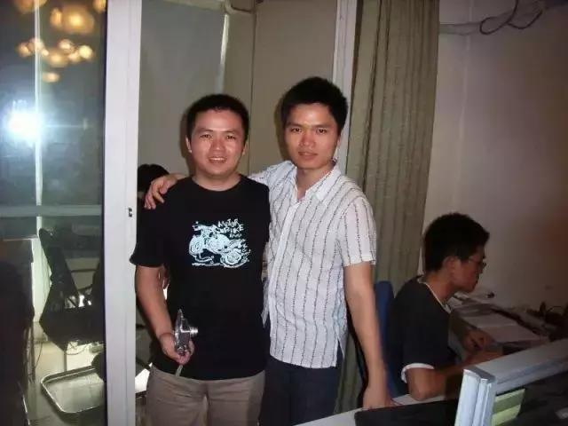 吴世春(左)和陈华