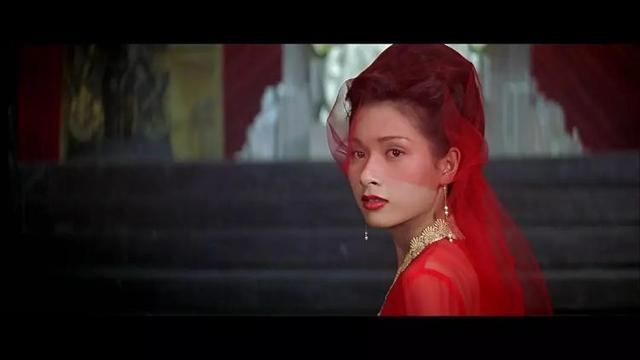 既是最丑古装女星,又是台湾第一美腿皇后,她除了生娃这些年都干嘛了