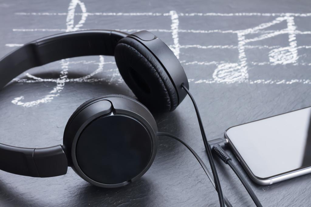 擊碎版權天花板,音樂行業要賺錢