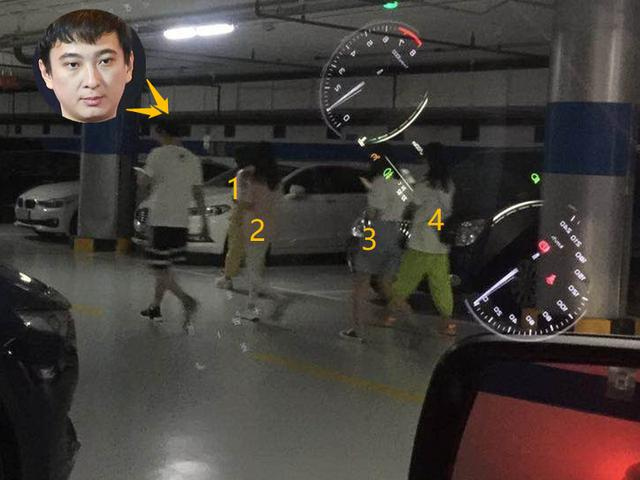 王思聪深夜携四辣妹打保龄球 女伴争风吃醋拽手不放