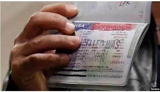 全面造假!华女庇护绿卡申请漏洞,移民法官看完都笑了