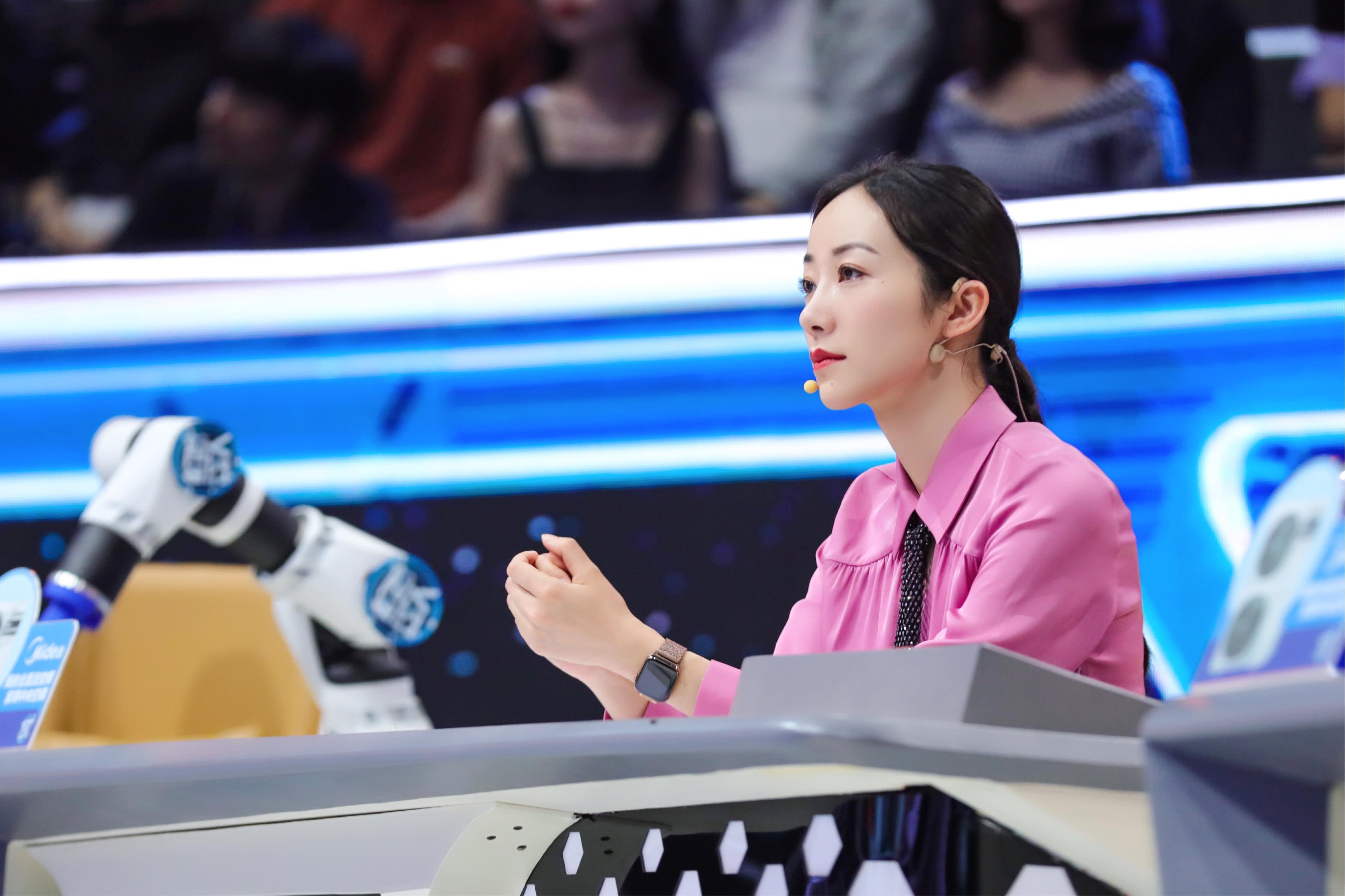 韩雪CCTV1《机智过人》昨日开播 获新闻联播强势推荐