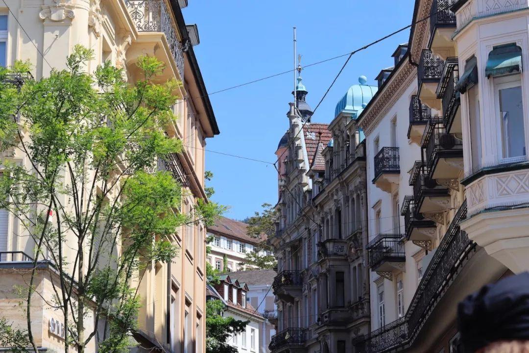 <b>德国最著名的温泉城市,没有麦当劳、星巴克,世界文豪都爱这里!</b>