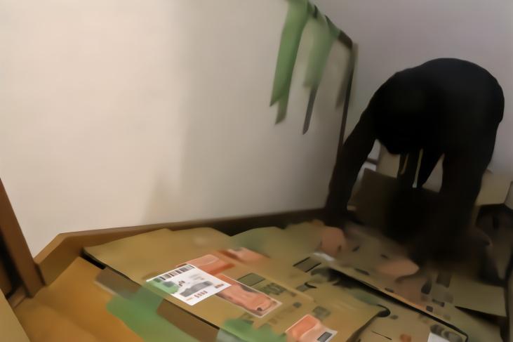 日本小伙将楼梯改造成了滑梯,滑梯材料用的是它,看完心疼老外